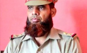 Muslim Police officer Sub-inspector Intshar Ali, posted on Baghpat, Uttar Pradesh has been suspended for having long beard. The higher officials in UP Police objected to it.