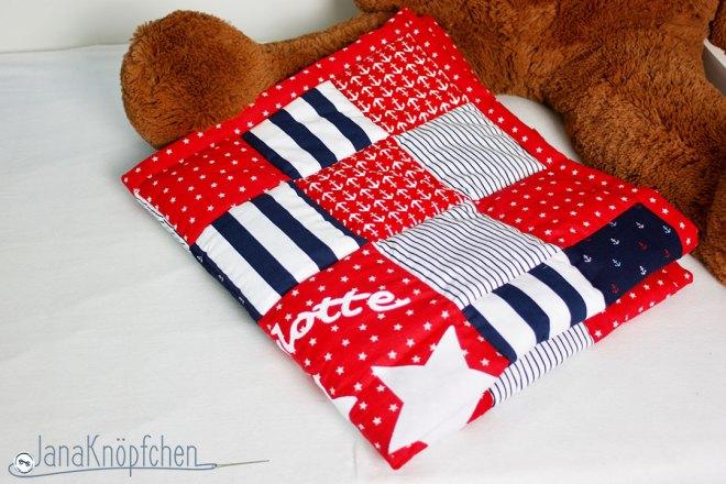 Geschenk zur Geburt: eine Patchworkdecke mit Namen - Applikation. JanaKnöpfchen. Nähen für Jungs