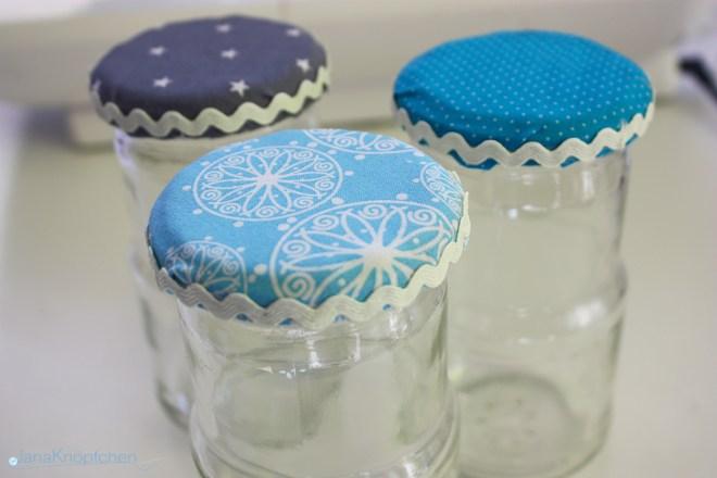 DIY Gläser verschönern. Deckel mit Stoff beziehen. JanaKnöpfchen - Nähen für Jungs