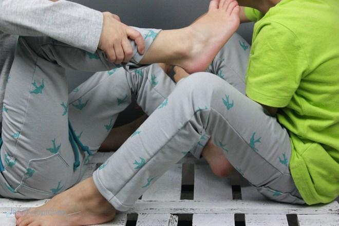 Sweatpants Alfons Blogpost zur selbstgenähten Sweatpants für Mädchen. JanaKnöpfchen - Nähen für Jungs