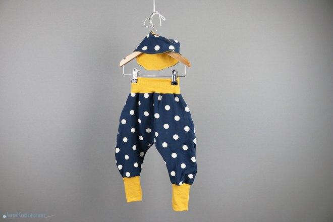 Babyset gepunktete Hose mit Tuch Gr. 80 - für kleine Weltentdecker. JanaKnöpfchen - Shop