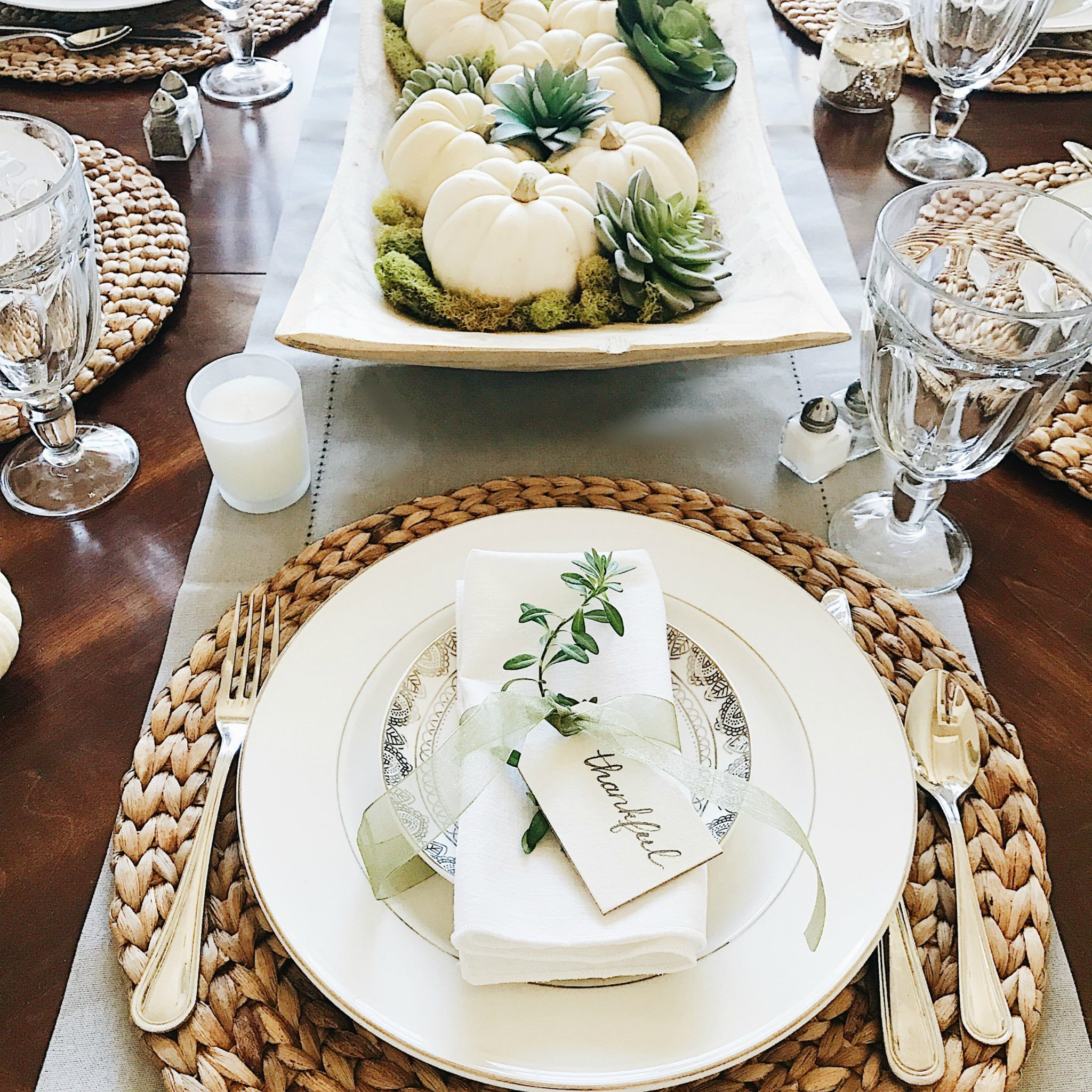 Beautifully simple Thanksgiving table setting ideas & 16 Beautifully Simple Thanksgiving Table Setting Ideas - jane at home