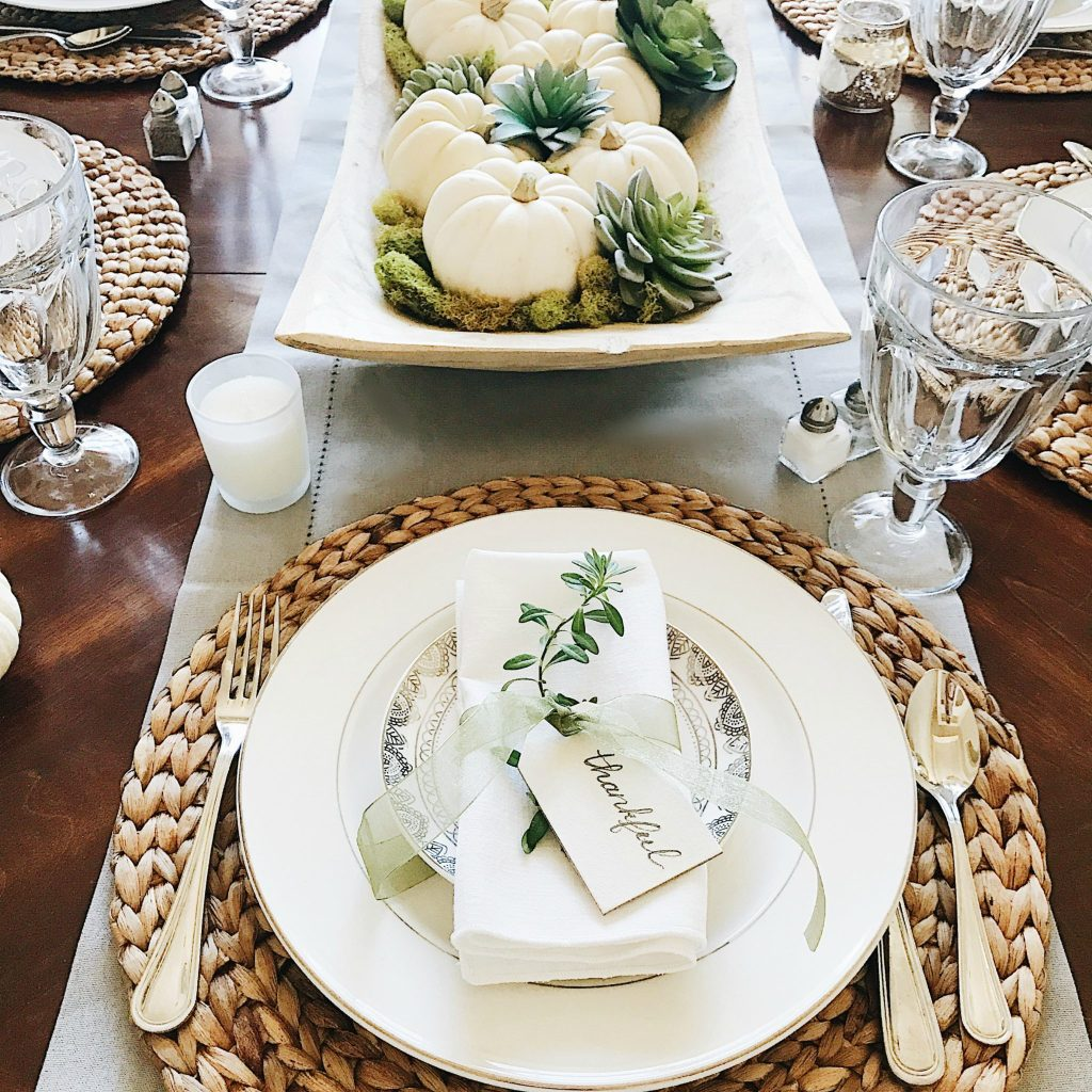 16 beautifully simple thanksgiving table setting ideas for Simple table setting