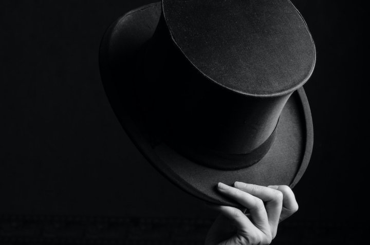 Image: hand with top hat