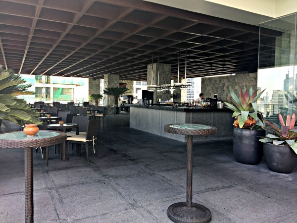 Firefly-Roof-Deck-Bar-City-Garden-Grand-Hotel-85