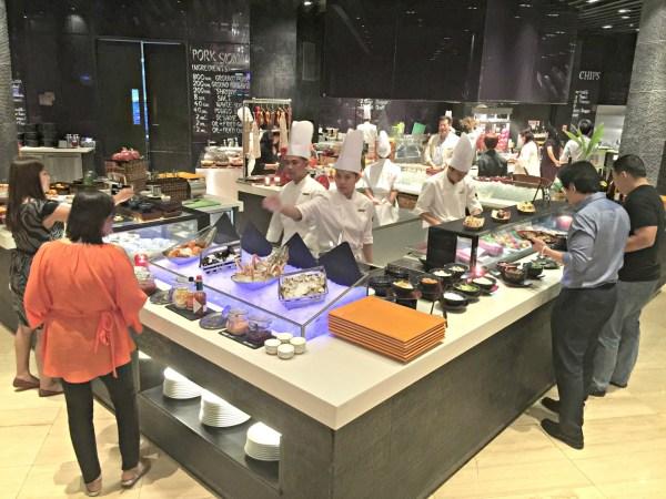 the-cafe-hyatt-city-of-dreams-manila-17