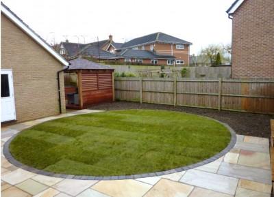 Small garden overlooked to left