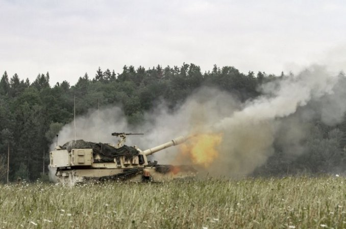 A US Army Paladin M109A7 self-propelled howitzer during a live fire exercise in Grafenwoehr, Germany, in August 2019. BAE Systems has made up one of two missed deliveries of the weapon after a Covid-19-related issue.  (US Army/Sgt Jeremiah Woods)
