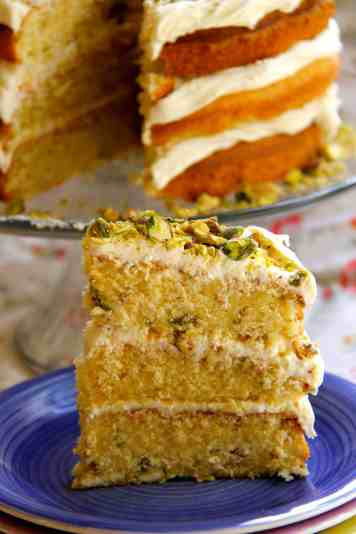 White Chocolate & Pistachio Cake