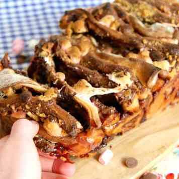 Nutella S'mores Pull-Apart Bread!