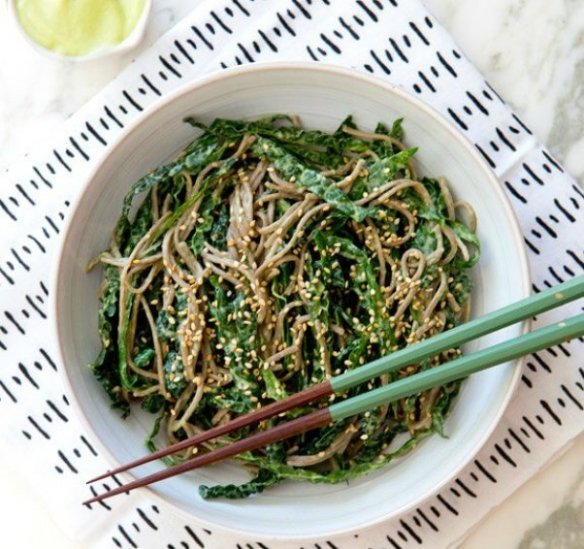 kale_noodle_bowl_a_house_in_the_hills_2-602x566-1468998477