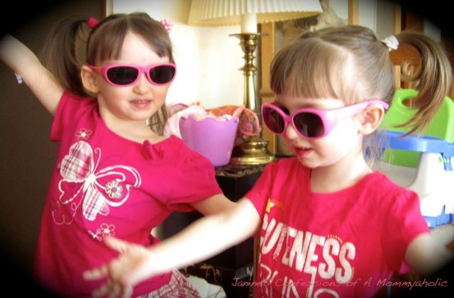 The Princesses Trying Out Their New Sunglasses for the First Time!!