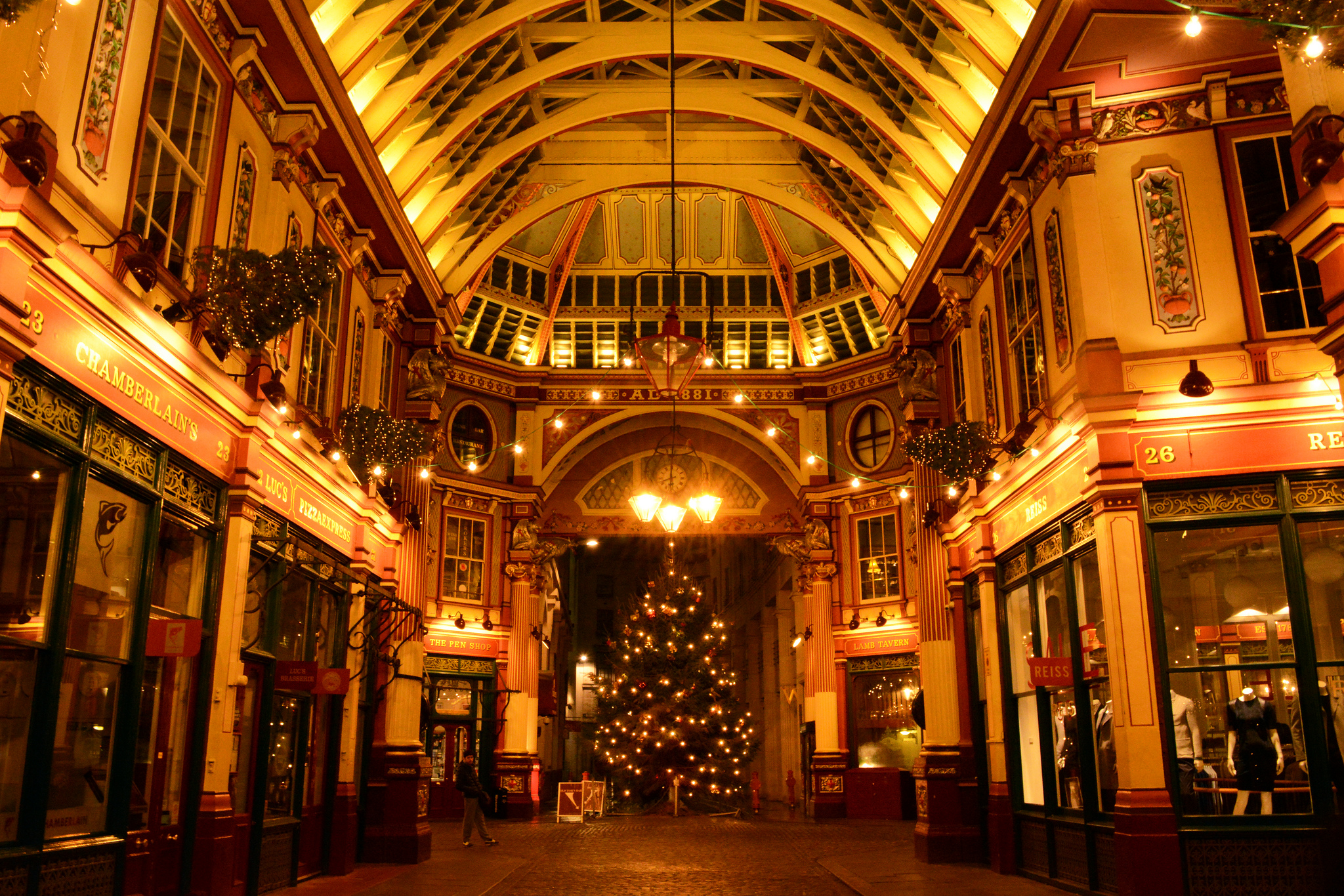 London At Christmas Time.3 Fun Holiday Things To Do In London At Christmas This