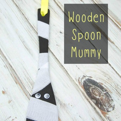 Easy Halloween Wooden Spoon Mummy Dollar Store Craft