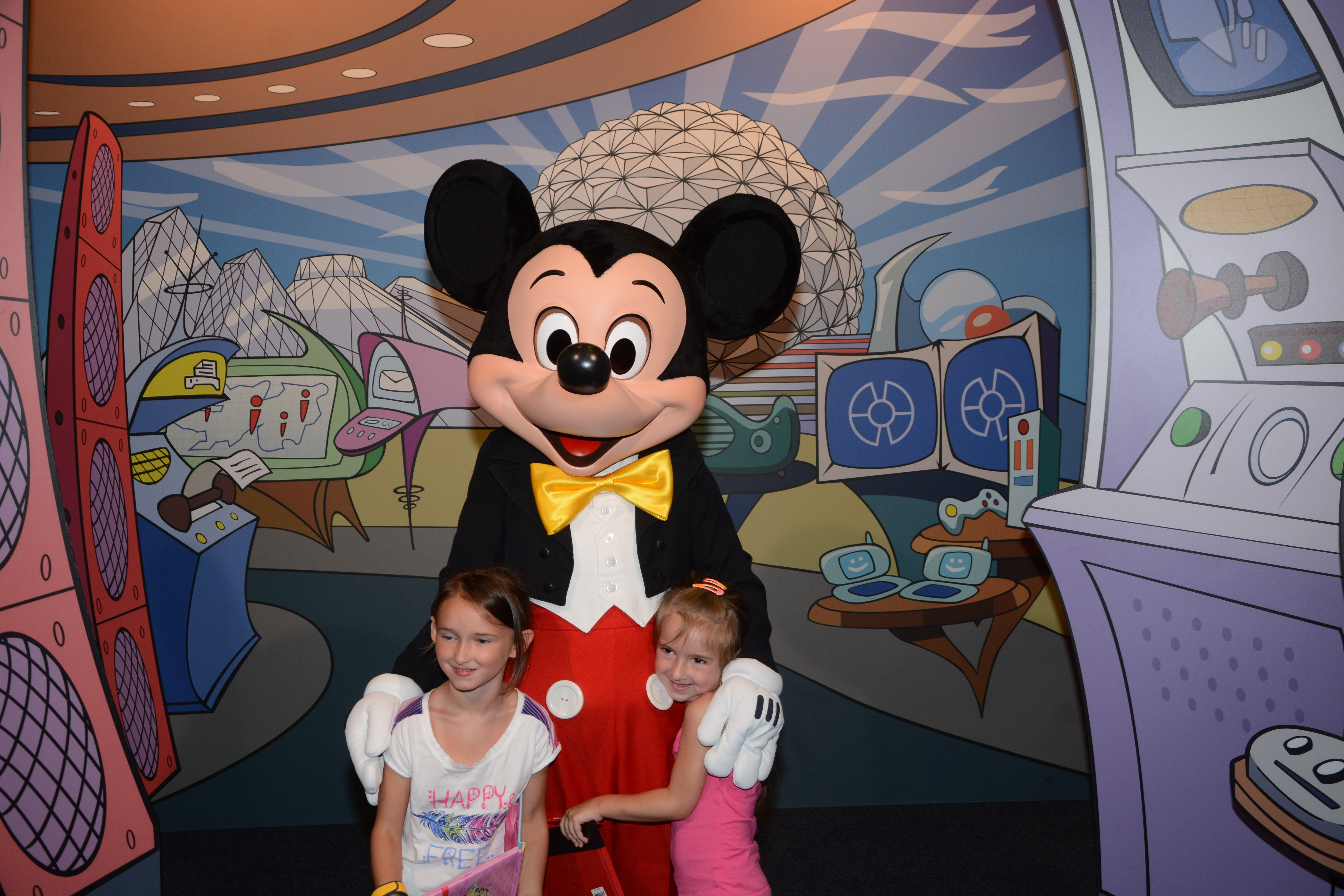 Epcot Disney Meet and Greet with Disney Characters Mickey Mouse
