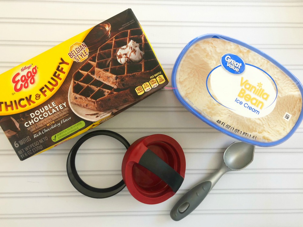 Chocolate Waffle Ice Cream Sandwich Horizontal 6