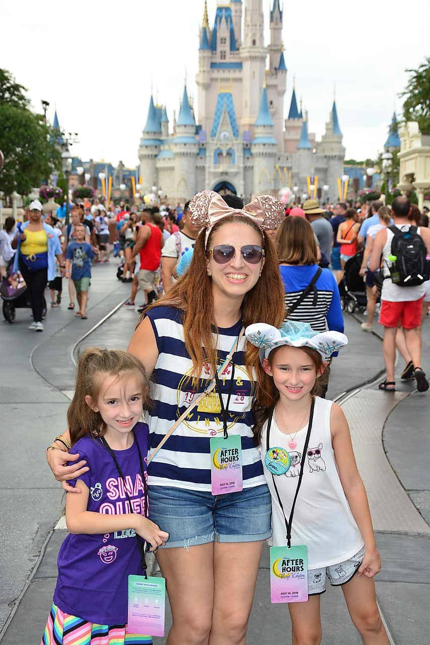 Disney World Magic Kingdom Cinderella Caste Summer 2018 with Kids