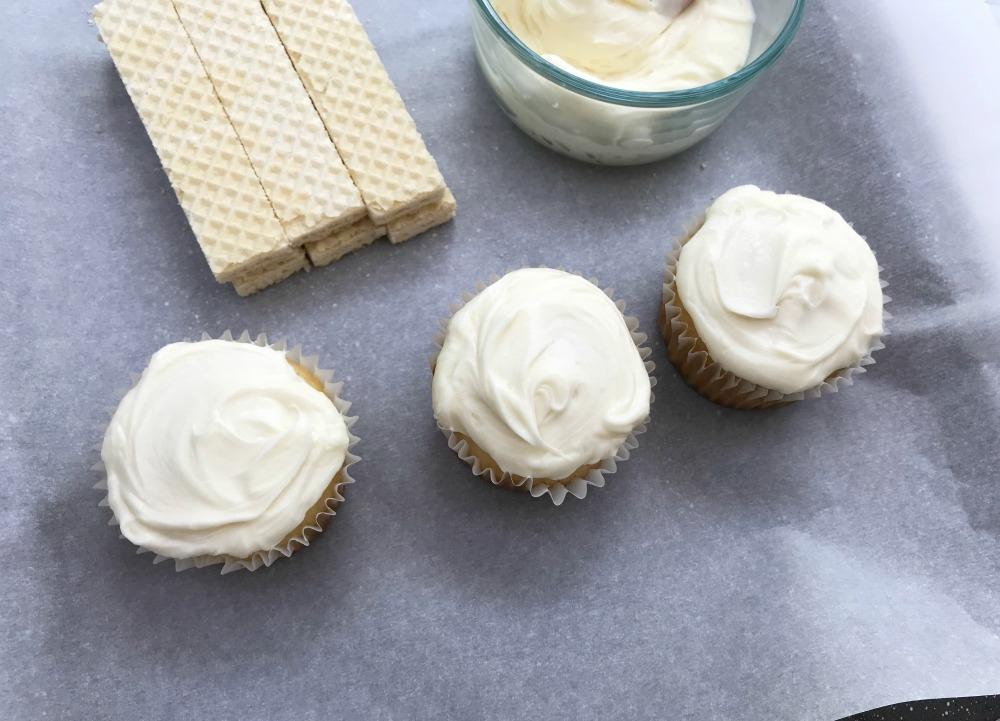 Ruler Cupcakes Step 1