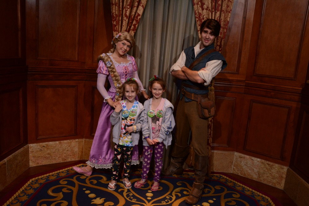 Meeting Rapunzel and Flynn at Mickey Very Merry Christmas Party