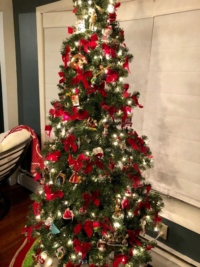 XMAS Tree All Decorated 2018