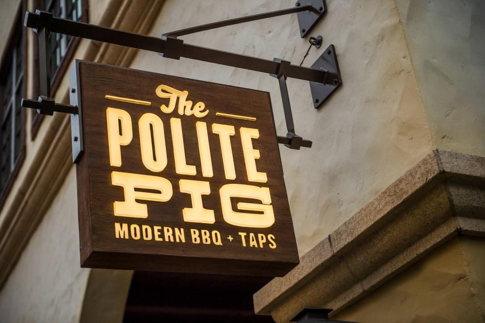 The Polite Pig in Disney Springs