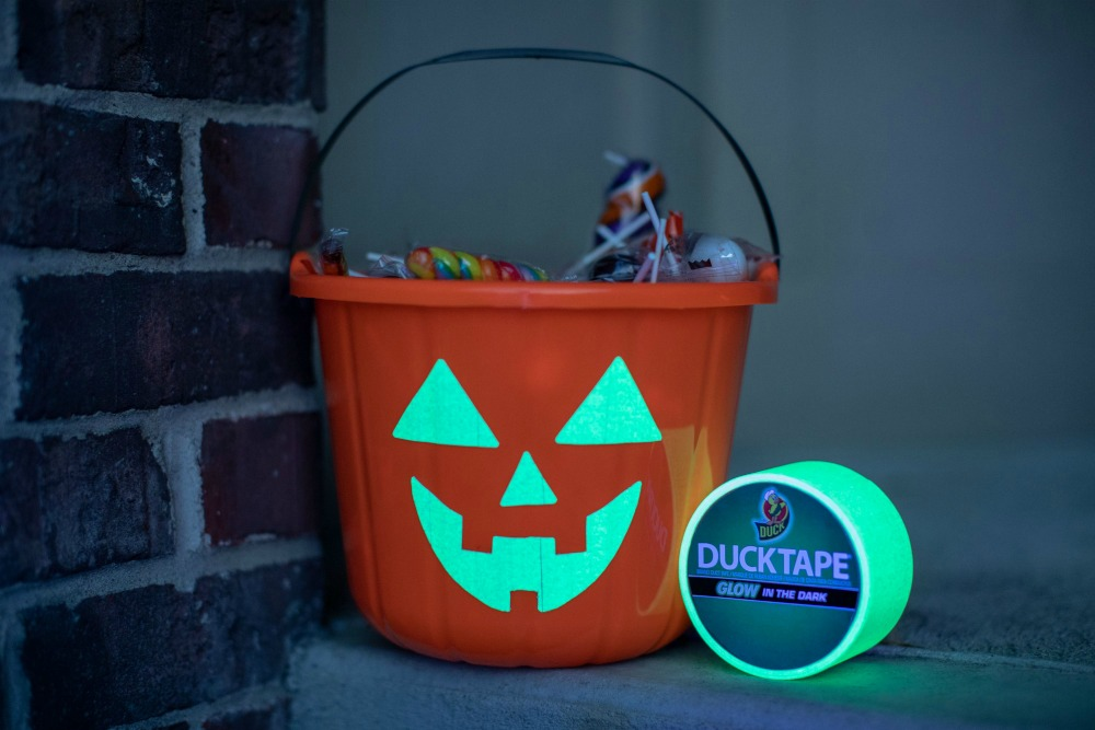 DIY Duck Tape Glow in the Dark Candy Bucket 1