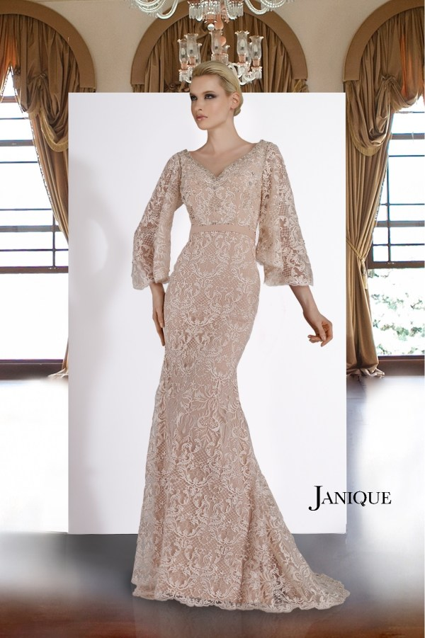 V-neckline dress. MOB lace covered gown with encrusted neckline. Evening wear laced with flared sleeves gown. Bridal lace gown in light pink.