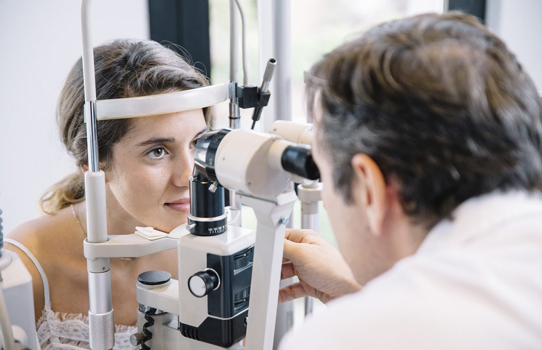 Janis Hutchinson - Tips to Find The Best Eye Doctor