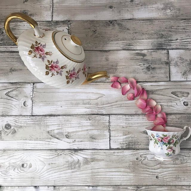 Time for tea..... (not sure why with rose petals.....)