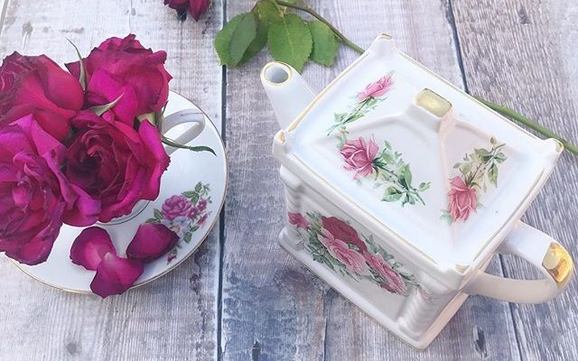 Vintage teapot charity shop find….perfect for an afternoon tea party