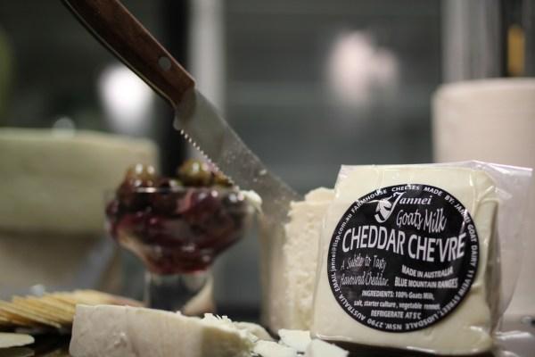 Cheddar Chèvre - Jannei goat cheese