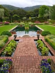 Filoli_sunken_garden.2048