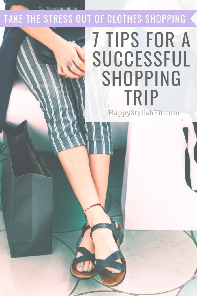 Take the stress out of clothes shopping with these 7 tips for a successful shopping trip. #MaternityStyle #MaternityFashion #MaternityOutfit #MomFashion #PregnancyStyle