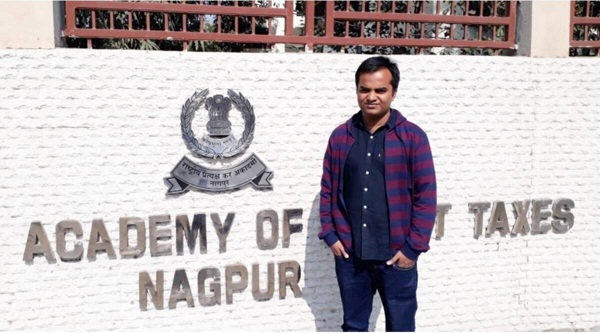 UPSC: Anubhav Singh, a farmer's son from Prayagraj secured AIR 8 in his second attempt.  Read his success story here