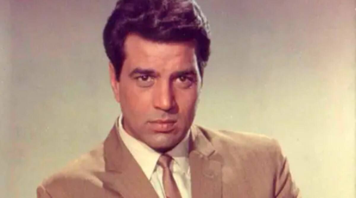 When Hrishikesh Mukherjee signed Rajesh Khanna in place of Dharmendra, the actor was directly touched
