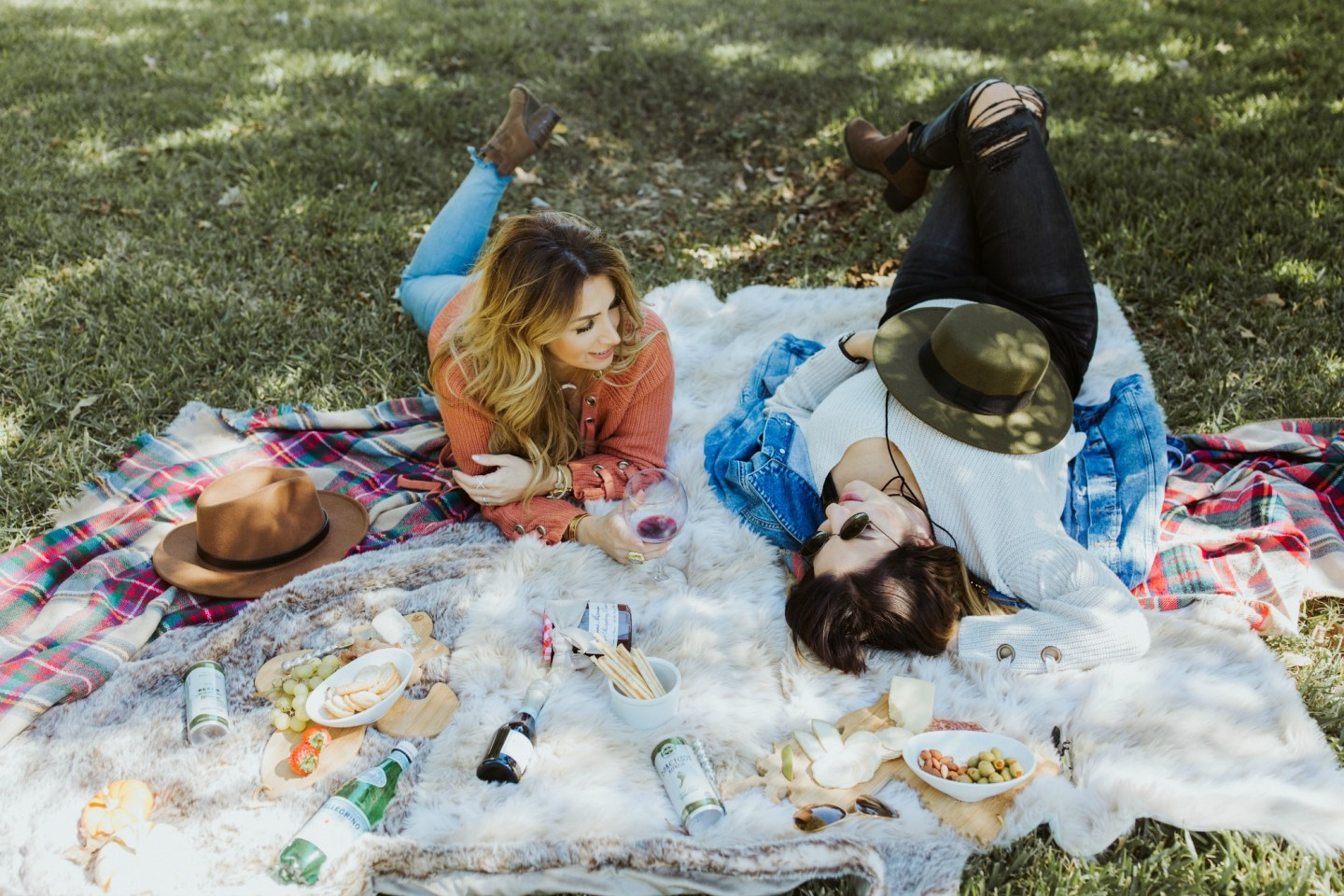 How to Create an Easy French Inspired Fall Picnic Spread
