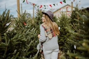 Casual holiday outfit ideas