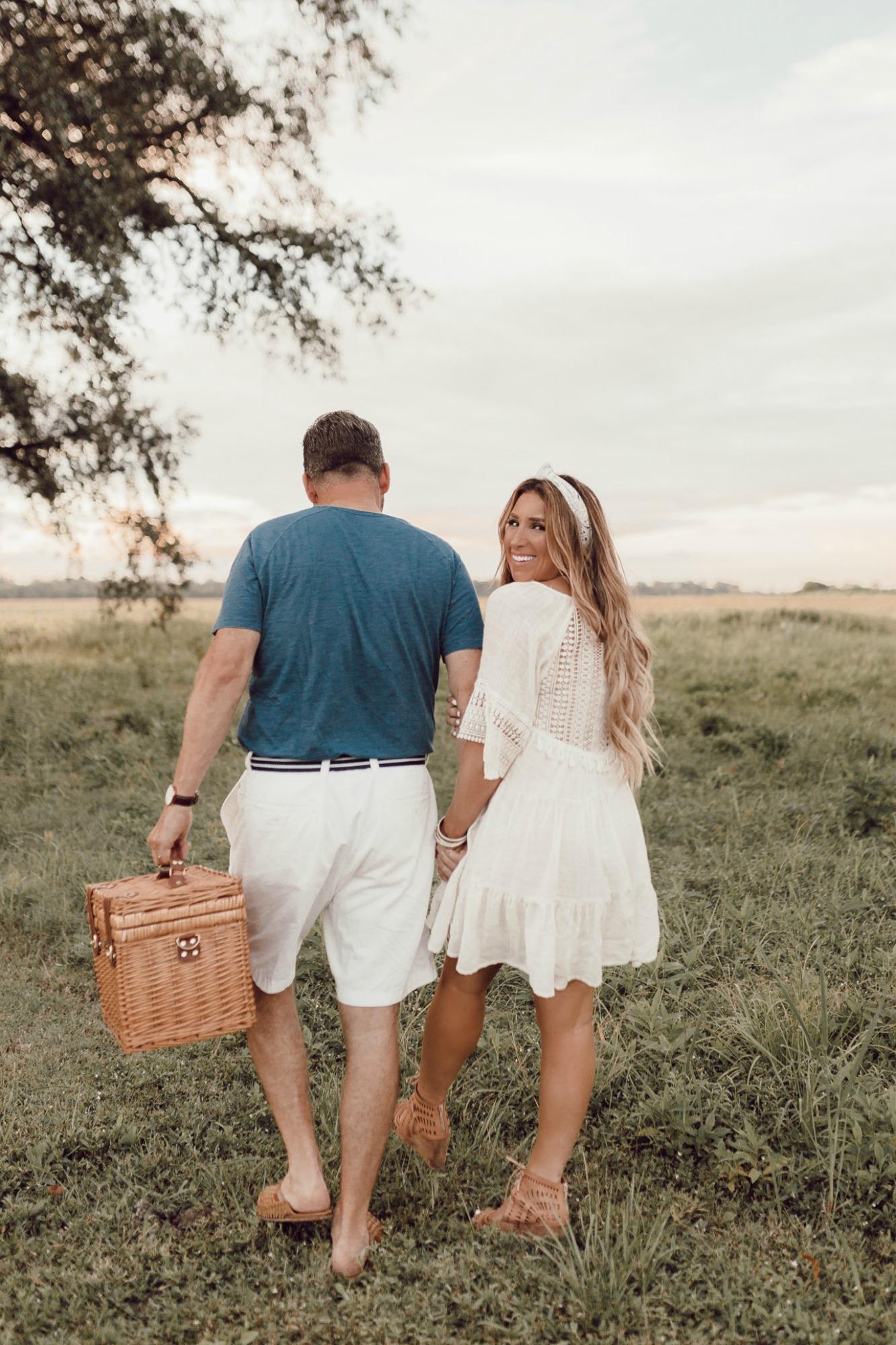 Ideas for a romantic picnic on JanuaryHart.com