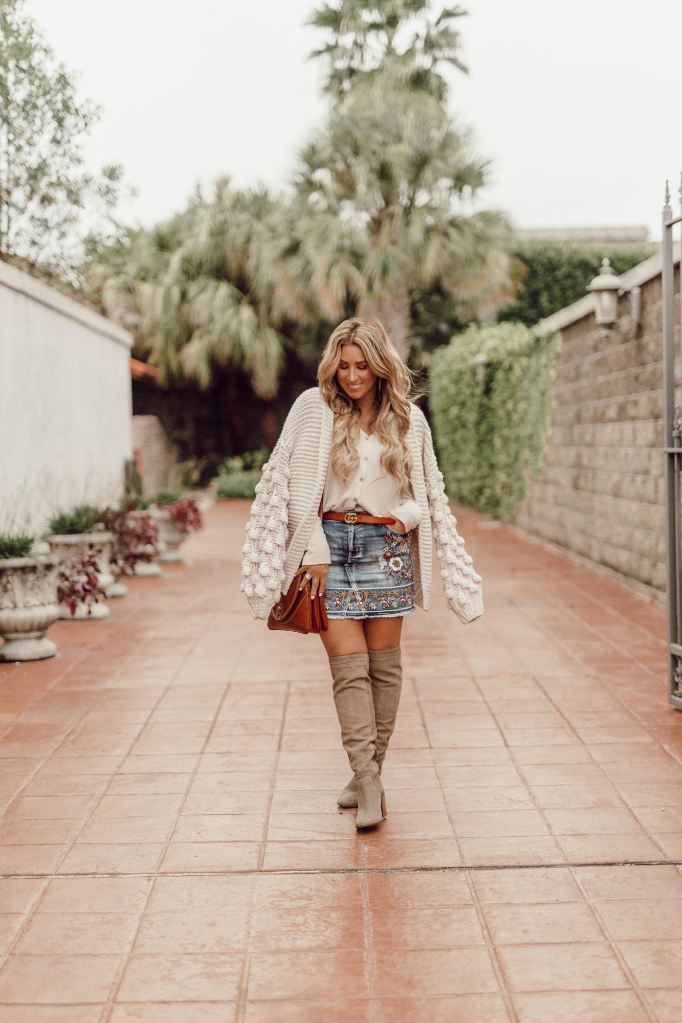 denim skirt fall outfit idea
