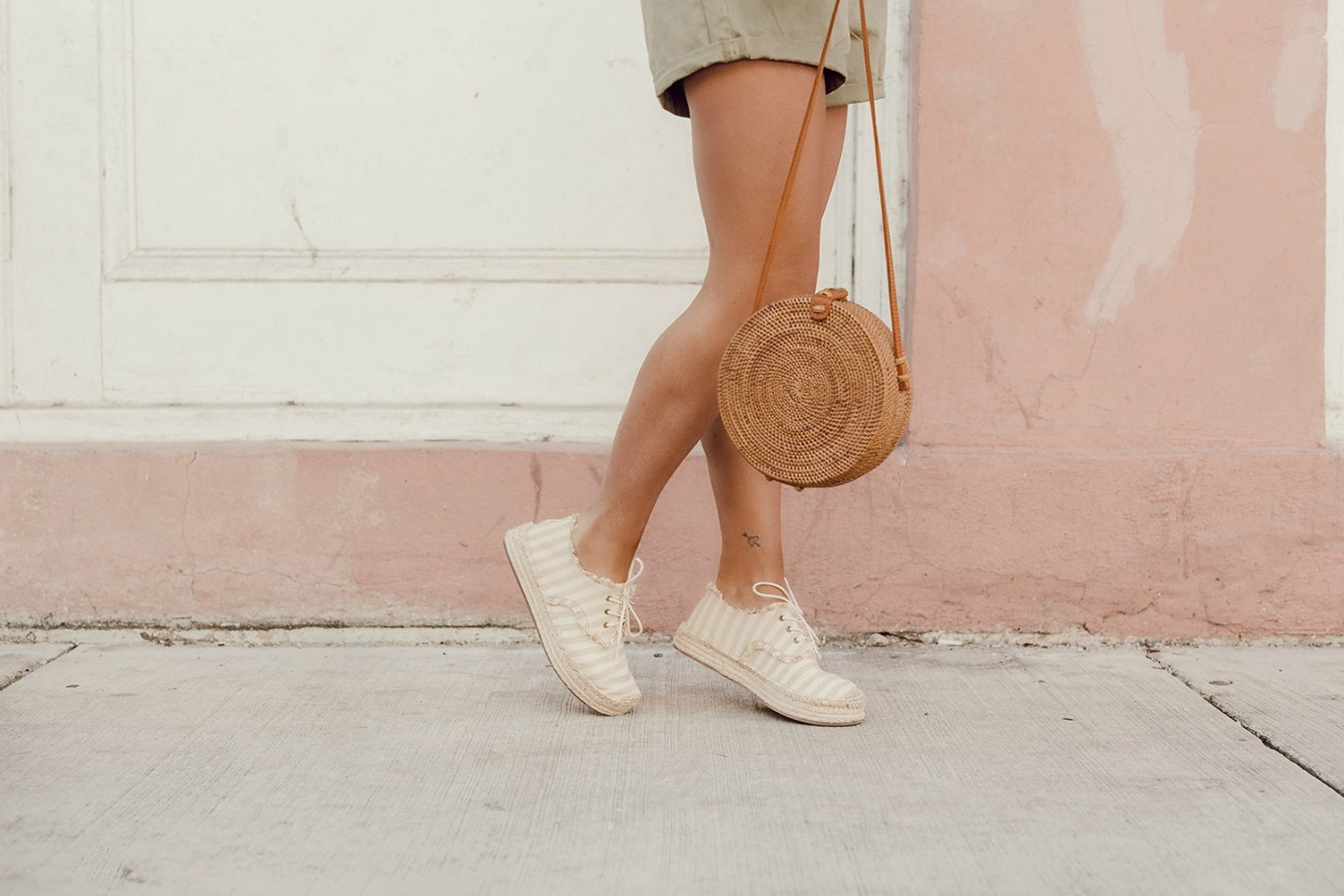 How to style sneaker espadrilles