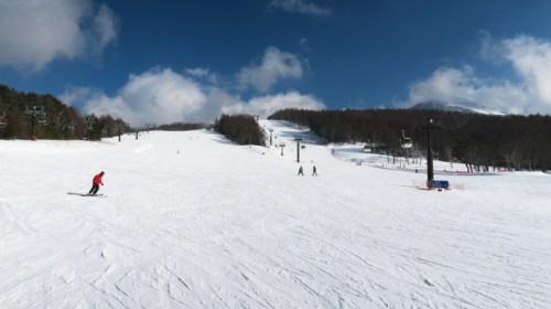 白樺湖近辺のスキー場で2つのスキー場が楽しめる白樺高原国際スキー場 Shirakaba Kogen Kokusai Ski Resort