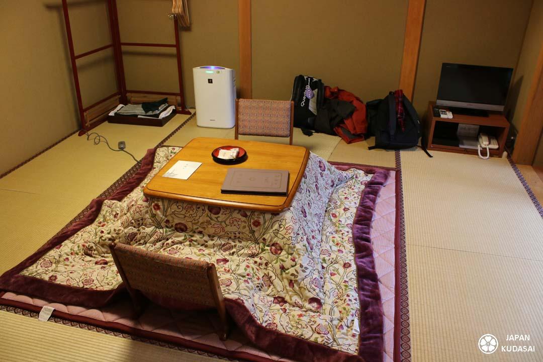kotatsu, table chauffante dans notre chambre à koyasan