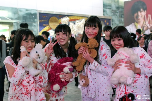 halloween tokyo shibuya crossing pop idol horror show in the streets