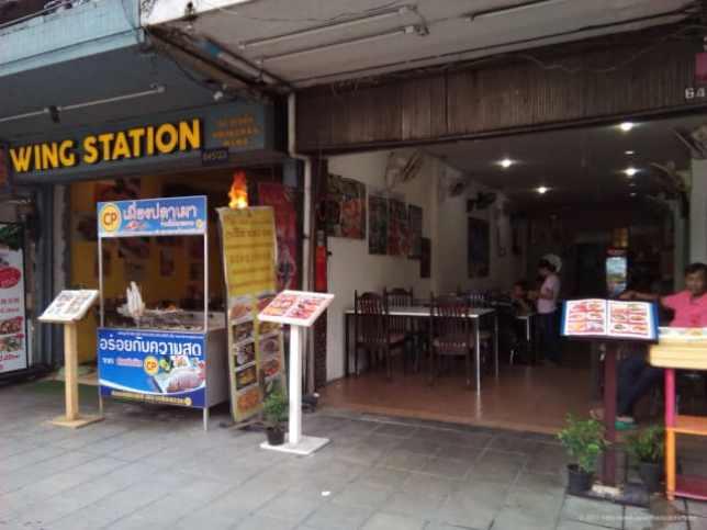 ペッチャブリー通りの食堂