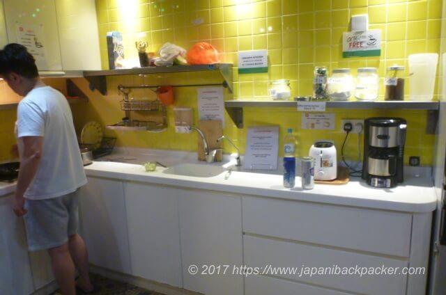 香港のイエスインのキッチン