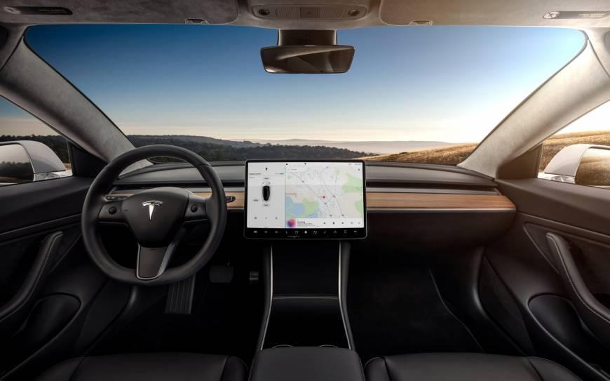 O carro elétrico Modelo 3 mais barato da Tesla pode atrair muitos novos clientes - se ele pode fornecer qualidade em quantidade