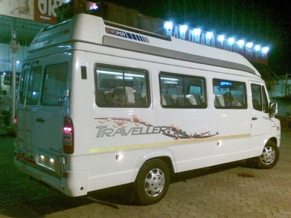 15 Seater Tempo Traveller3