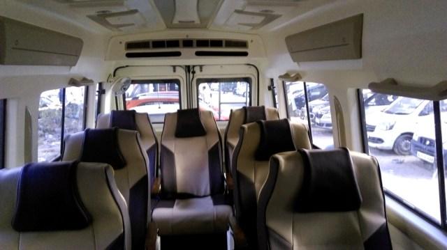7 seater luxury tempo traveller