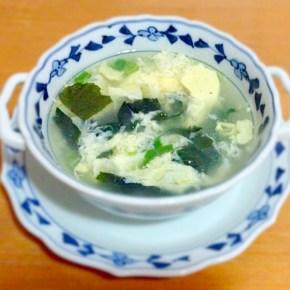 soupe à l'œuf et au wakame わかめスープ