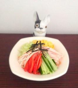 Salade et nouilles froides